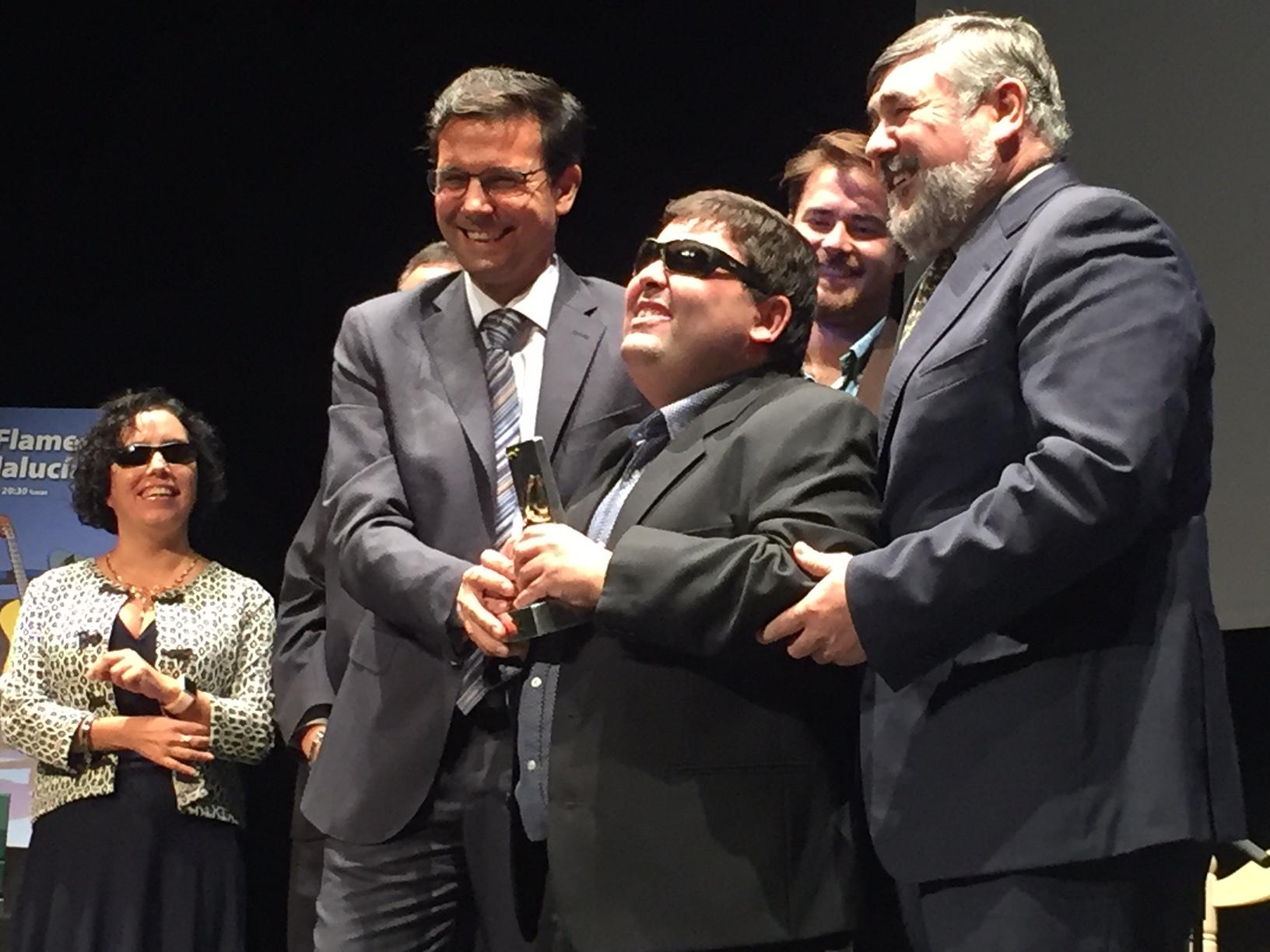 Alcalde de Granada entrega el premio al Plazoleta