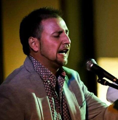 El joven cantaor flamenco, Jacob del Carmen, durante una actuación