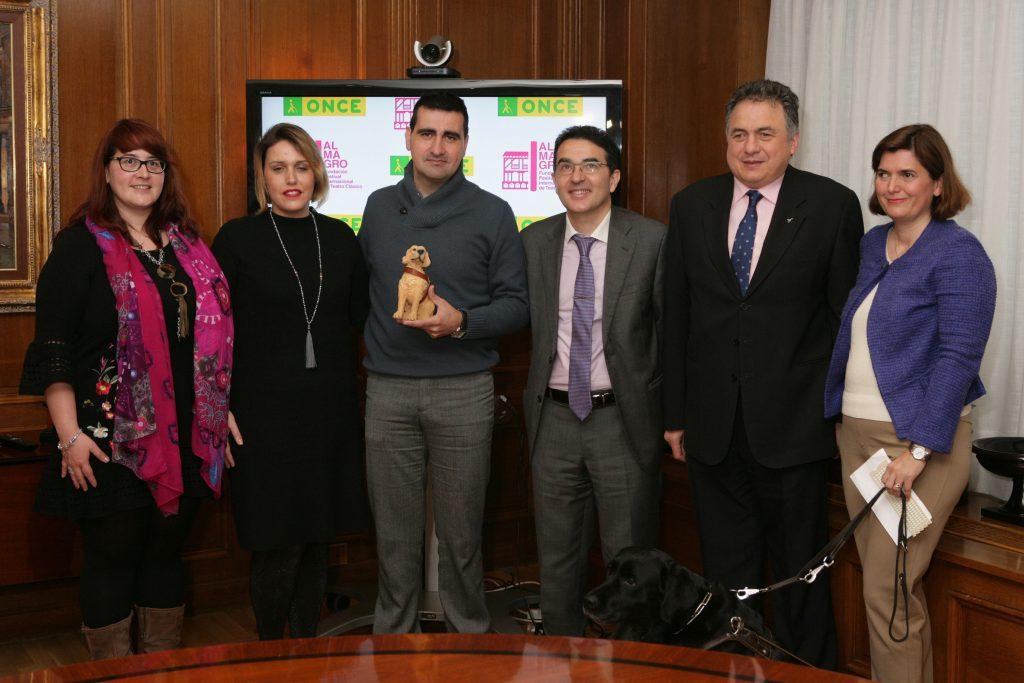 Los responsables del Festival de Almagro tras la firma del Convenio