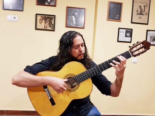 El guitarrista malagueño Sergio Molido