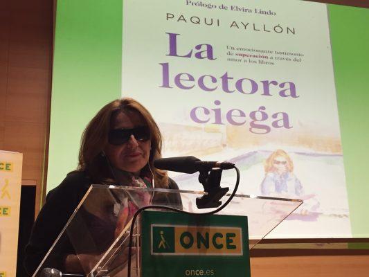 Paqui Ayllón en la presentación de su libro