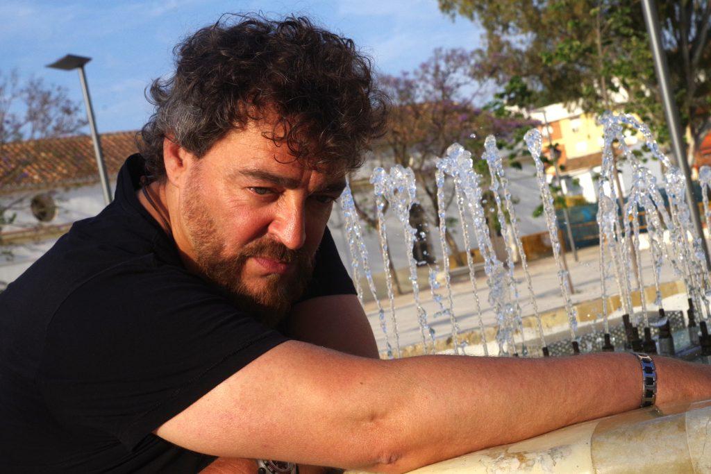 Mel Rocher lamenta que al sistema educativo español no le importe ni el teatro, ni la música , ni la Filosofía | Reportaje gráfico: Eduardo Nieto