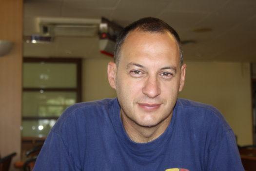 Imagen - El granadino Rafael Ruiz Pleguezuelos gana el Premio Tiflos de Novela 2020 con 'La piel del lagarto'